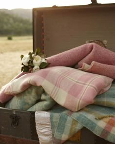 Casual Blankets for a chilly wedding evening....