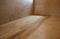 Parchet în baie. Posibil și durabil dacă manopera este impecabilă. Hardwood Floors, Flooring, Projects, Crafts, Wood Floor Tiles, Log Projects, Wood Flooring, Blue Prints, Manualidades