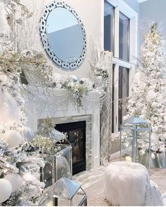 Here are best White Christmas Decor ideas. From White Christmas Tree decor to Table top trees to Alternative trees to Christmas home decor in White. Elegant Christmas, Beautiful Christmas, White Christmas, Minimal Christmas, Victorian Christmas, Vintage Christmas, Christmas Living Rooms, Christmas Room, Christmas Christmas