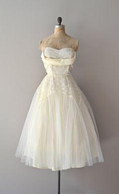 vintage 50s wedding dress / strapless 50s dress