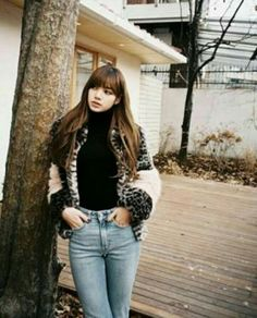 all about lisa blackpink, all eyes for lalisa manoban Kim Jennie, Jenny Kim, Blackpink Lisa, Blackpink Outfits, School Outfits, South Korean Girls, Korean Girl Groups, Black Pink, Lisa Blackpink Wallpaper