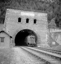 Nordportal des Lötschbergtunnels bei Kandersteg mit Be Swiss Railways, Electric Train, Bern, Trains, Landscapes, History, City, Paths, Switzerland