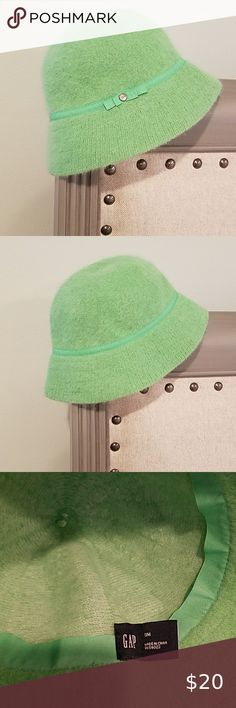 Green Gap bucket hat Green Gap bucket hat with ribbon trim and jeweled accent. Worn a handful of times. Worn a handful of times. Plus Fashion, Fashion Tips, Fashion Design, Fashion Trends, Rabbit Fur, Bucket Hat, Women Accessories, Gap, Ribbon