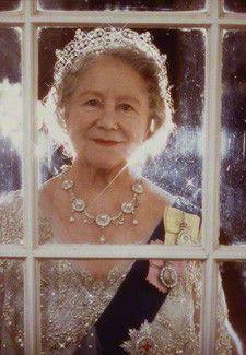 Queen Elizabeth the Queen Mother, by Norman Parkinson  colour print, 1980 (credit: National Portrait Gallery)