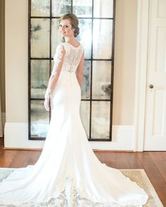 Morgan was breath-taking in her wedding gown from Bella's. Thank you for allowing us to be a part of your special day.  #alabamaweddings #southernwedding birminghamweddings