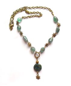 Necklace with apatite beads.