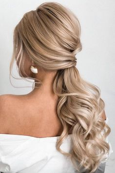 Bride Hairstyles ponytail updos for weddings, ponytail hairstyles, ponytail hairstyles wedding ponytail, prom hairstyles, prom ponytail wedding hairstyles Long Hair Wedding Styles, Wedding Hairstyles For Long Hair, Fancy Hairstyles, Wedding Hair And Makeup, Long Hair Styles, Indian Hairstyles, Hairstyles Videos, Ponytail Wedding Hair, Long Blonde Hairstyles