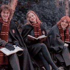 Harry James Potter, Mode Harry Potter, Estilo Harry Potter, Harry Potter Icons, Harry Potter Draco Malfoy, Harry Potter Tumblr, Harry Potter Pictures, Harry Potter Cast, Harry Potter Universal