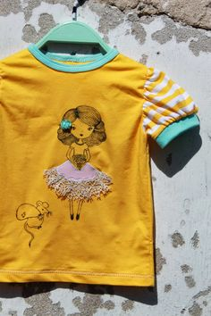 handmade girls shirt, drawing on fabric with markers