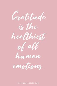 10 Powerful Ways to Practice Gratitude Daily - SelfMadeLadies - Manifesting Blog & Community by Mia Fox