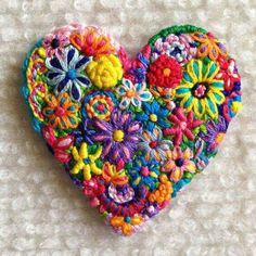 Embroidered heart brooch ~By Lucismiles Embroidery Hearts, Embroidery Jewelry, Crewel Embroidery, Cross Stitch Embroidery, Embroidery Patterns, Embroidery Thread, Felt Brooch, Brooch Pin, Bordado Floral