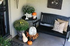 Cute Fall Porch Decor Ideas. I need a bench for my front porch!