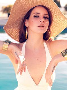 Love her style ....lana del rey