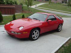 Just like Tom Cruise's (Risky Bus.Porshe Probably the sweetest Porshe and and my favorite ever! Porsche 924, Porsche Cars, Automobile, Motor Works, Exotic Sports Cars, Hot Rides, Car In The World, Maserati, Old Cars