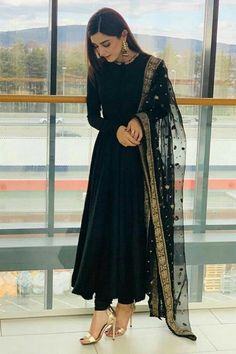 outfit in 2019 indian dresses, indian designer suits, indian designe Indian Fashion Dresses, Indian Gowns Dresses, Dress Indian Style, Black Indian Gown, Indian Dresses Online, Party Wear Dresses, Dresses Dresses, Pakistani Dress Design, Pakistani Outfits