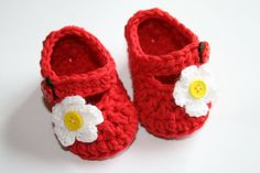 Crochet cotton red baby girl shoes mary janes by tweetotshop.
