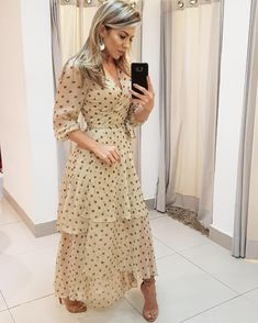 Image may contain: 1 person, standing Modest Dresses, Elegant Dresses, Pretty Dresses, Beautiful Dresses, Casual Dresses, Summer Dresses, Mom Dress, Dress Up, Chiffon Dress