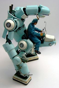 I'll take one in the same turquoise color! Robot Model by Kazushi Kobayashi