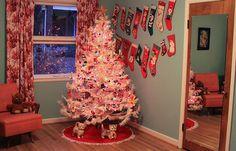 Fifties Christmas tree!!! Bebe'!!! Brings back memories for me!!!