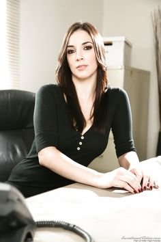 Jelena Jensen is the Stripping Office Babe Trending Today, Blog Images, Crossdressers, Nars, Photo S, What To Wear, Womens Fashion, Fashion Trends, Sexy Women
