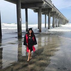 Showing off some leg ☺️😜#gradphotos #lajolla #sandiego #lajollapier #nofilter #colombiana #sdsu #lajollalocals #sandiegoconnection #sdlocals - posted by Krystal Galvis  www.instagram.com.... See more post on La Jolla at LaJollaLocals.com