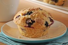 Throw away your other blueberry muffin recipes. Fresh blueberries and a cinnamon-streusel topping make these muffins into a delectable homemade treat. Kraft Foods, Kraft Recipes, Easy Recipes, Muffin Recipes, Brunch Recipes, Breakfast Recipes, Blueberry Streusel Muffins, Oat Muffins, Blueberry Bread