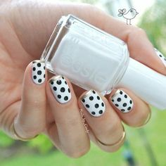 White black and gold frenchtip polka dot summer nailart #polkadot #nails #nailart #summer #white #black #gold #frenchtip