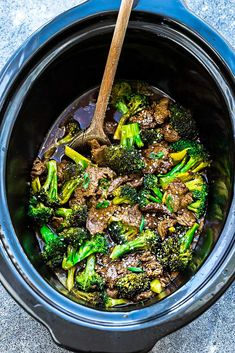 Instant Pot Beef and Broccoli – an easy low carb Chinese takeout favorite for busy weeknights.