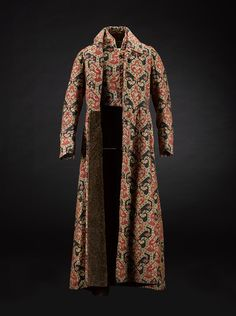 Victorian gentleman's banyan, c.1840-1850. National Museum of Scotland.