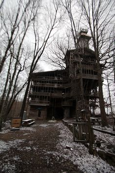 // The Minister's Treehouse, Tennessee