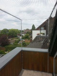 Katzennetz für Dachloggia – Balkon mit Dachrand     Katzennetze NRW - Der Katzennetz Profi