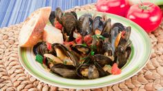 Mussels+in+Fennel+Tomato+Sauce