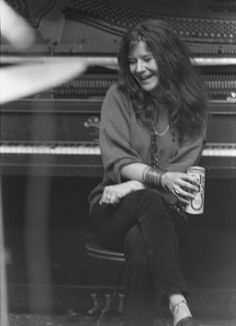 janis joplin -- GAHHHDD how does a person love someone they have only met through pictures..? i love Janis! I haven't seen much actual video footage of Janis but, I like it more that way :)