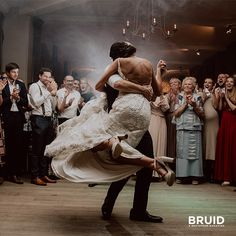 If the whole world was watching I'd still dance with you…   #luxvisualstorytellers #firstdance #openingsdans