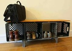 Fun ideas for DIY upcycled milk crate furniture and home decor made from repurposed milk crates. Milk Crate Bench, Milk Crate Shelves, Milk Crate Furniture, Crate Stools, Milk Crate Storage, Crate Table, Diy Storage Bench, Diy Furniture, Shoe Storage