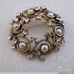 monet-flower-brooch-breastpin-pin-ouch-wreath.jpg (600×600)