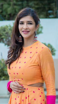 Lakshmi Manchu in yet another PraDe exclusive earrings Beautiful Saree, Beautiful Women, Lakshmi Manchu, Indian Beauty, Indian Actresses, Silver Jewelry, Boho, Sexy