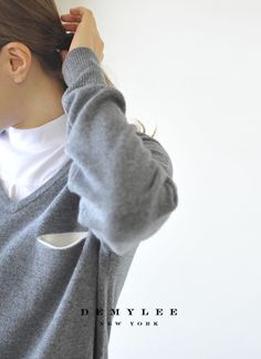 【楽天市場】DEMYLEE デミリー Hazel/Vネック フィンカシミアセーター・421080040(全2色)(XS・S)【2014秋冬】:Crouka(クローカ)