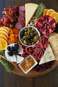 Charcuterie Board (meat and cheese platter) - Modern Honey . - Charcuterie Board (meat and cheese platter) – Modern Honey - Meat Appetizers, Thanksgiving Appetizers, Appetizers For Party, Appetizer Recipes, Christmas Appetizers, Birthday Appetizers, Thanksgiving Platter, Party Snacks, Thanksgiving Recipes