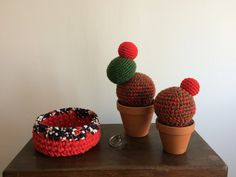 Modèle Sonia L & M Crochet Cactus, Blackberry, Planter Pots, Create, Red, Blackberries, Rich Brunette, Plant Pots, Rouge