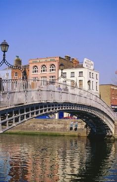 Halfpenny Bridge and River Liffey, Dublin, Ireland (by Firecrest Pictures)