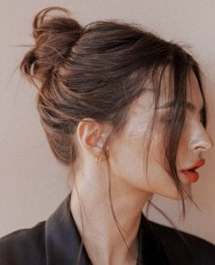 Steal Emily Ratajkowski's Easy Updos Hair inspiration – Hair Models-Hair Styles Hair Day, My Hair, Hairstyles With Bangs, Cool Hairstyles, Holiday Hairstyles, Bangs Updo, Hairstyles Videos, Hair Bangs, Summer Hairstyles