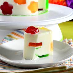 La clásica gelatina de yogurt que a todo mundo le encanta pero con una sorpresa…