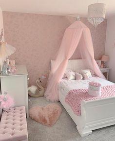 Little Girl Bedrooms, Bedroom Decor For Teen Girls, Cute Bedroom Ideas, Pink Bedrooms, Room Ideas Bedroom, Baby Room Decor, Room Design Bedroom, Girl Bedroom Designs, Small Room Bedroom