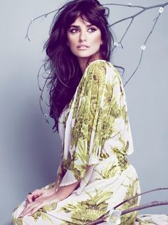 Penelope Cruz- love her hair and makeup