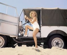 Marilyn Monroe in Land Rover / 1957
