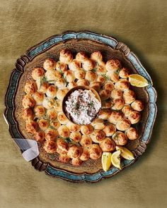 An impressive tear-and-share cheesy profiterole wreath served with a fiery smoked salmon, horseradish and cream cheese dip – a fabulous Christmas starter – and a savoury choux, too. Christmas Party Centerpieces, Christmas Party Food, Christmas Recipes, Christmas Lunch, Christmas 2019, Horseradish Dip, Christmas Starters, Choux Buns, Profiteroles