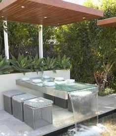 Water Feature example made of a table Outdoor Water Features, Water Features In The Garden, Outdoor Spaces, Outdoor Living, Table Fountain, Fountain Ideas, Fountain Design, Pergola Pictures, Water Garden