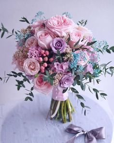 These perfect blooms just took our breath away! 💕😄 What could be more romantic than featuring soft pastel colors in your wedding flowers? 🌿 More signature wedding inspirations at . Prom Flowers, Bridal Flowers, Flower Bouquet Wedding, Bridesmaid Bouquet, Floral Wedding, Beautiful Flowers, Wedding Centerpieces, Wedding Decorations, Happy Birthday Flower