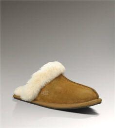 Ugg Scuffette II 5661 Chestnut Slippers $70.00 http://www.salesnowboots.com/ugg-scuffette-ii-5661-chestnut-slippers-p-339.html
